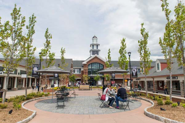 Woodbury Premium Common Outlets
